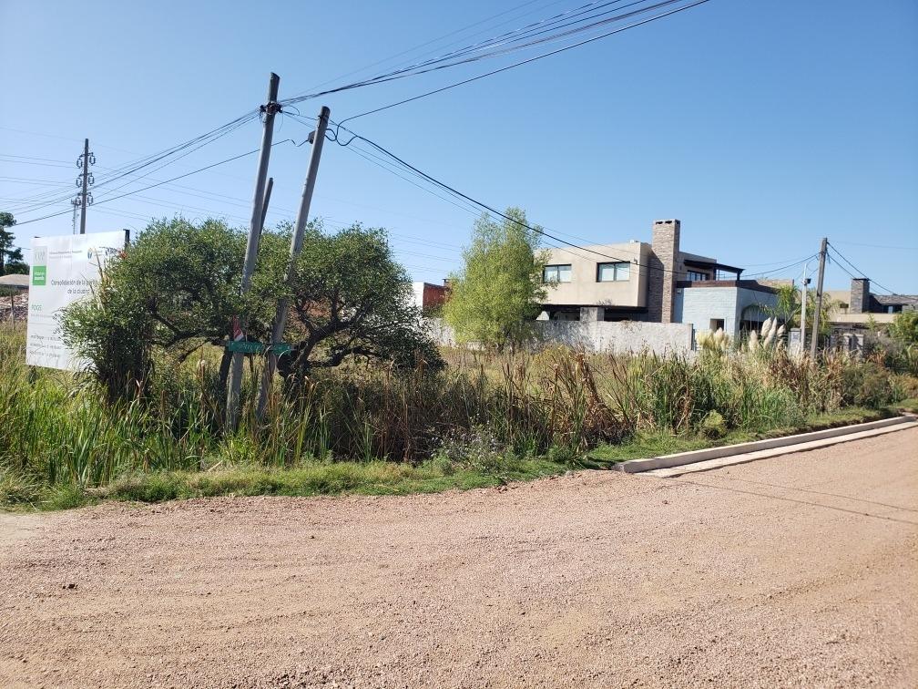 terreno esquina ubicado en la mejor zona residencial