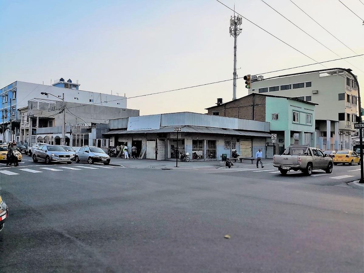 terreno esquinero calle portete 306 mts sector muy comercial
