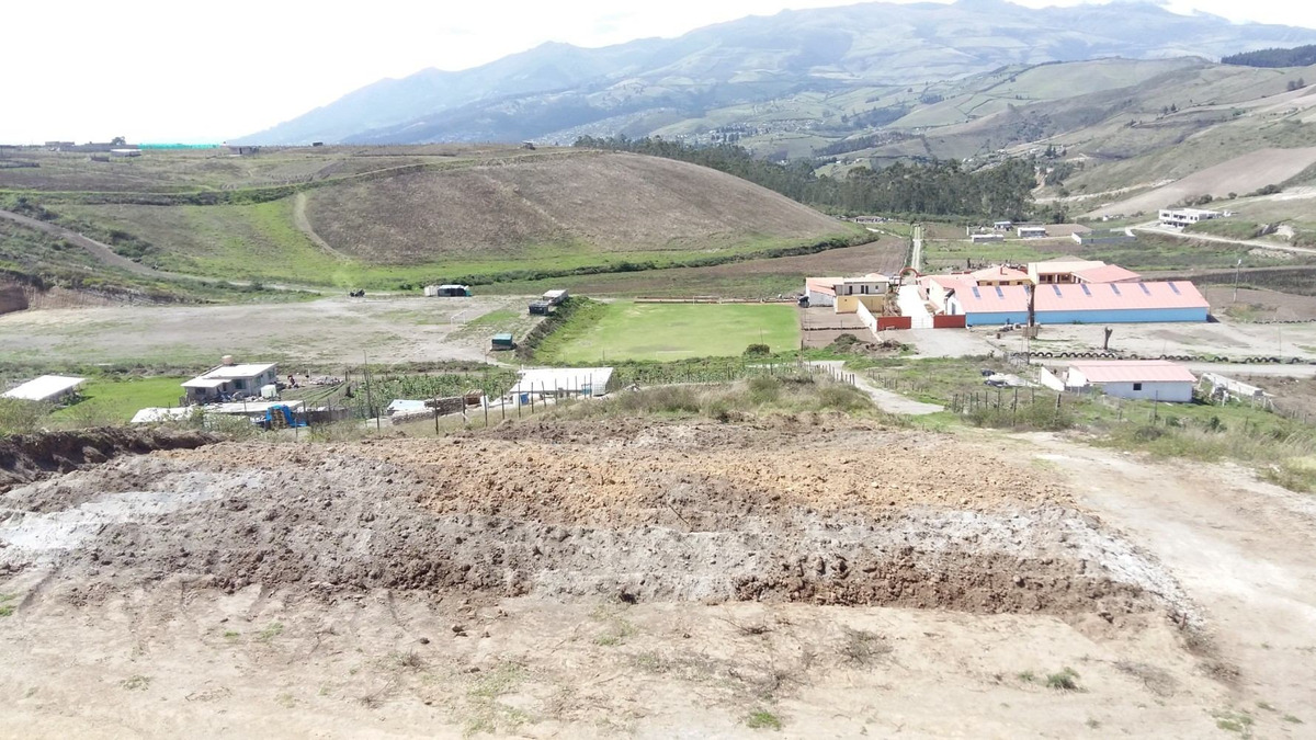 terreno esquinero norte de quito