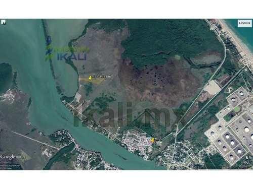 terreno frente a laguna de tampamachoco tuxpan ver 2.00 3 hectáreas con 25 metros frente a la laguna con 202.92 metros de fondo es un poligono irregular esta a un costado de la colonia petrolera por