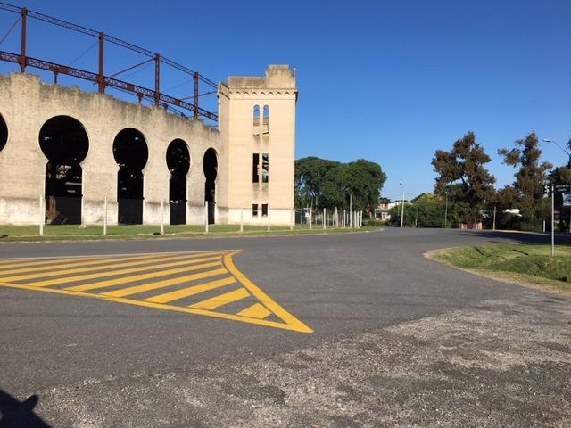 terreno frente a plaza de toros