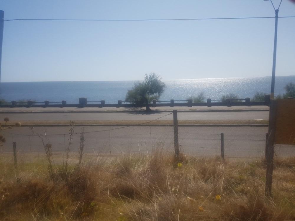 terreno frente al mar en piriápolis ideal para inversor.