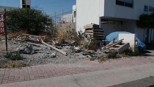terreno habitacional en equina en venta en el mirador