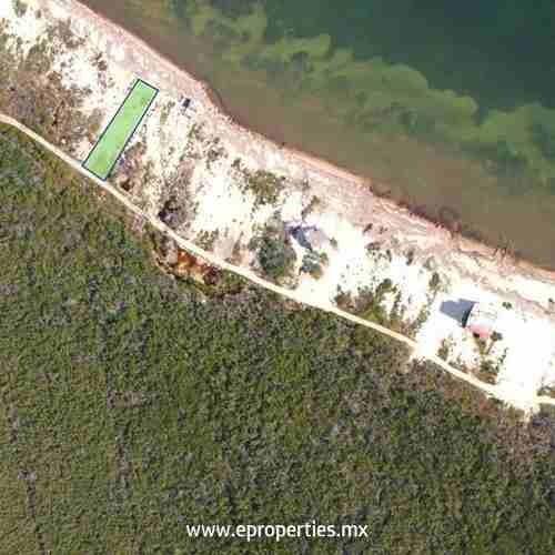 terreno habitacional en venta bahía petempich, puerto morelos, quintana roo.