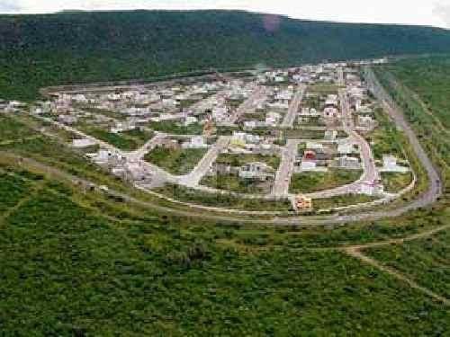 terreno habitacional en venta en cumbres del cimatario con vista a la ciudad de queretaro.
