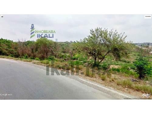 terreno industrial en renta altamira tamaulipas 14,787 m², se encuentra ubicado en la colonia nuevo distrito de crecimiento en la calle fracc sector 11, son 14,786.98 m², cuenta con aproximadamente 1