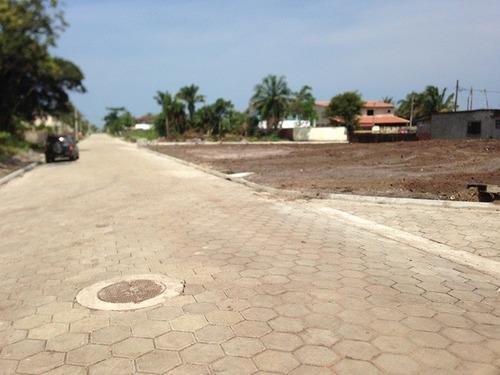terreno limpo e aterrado com 260m² à 600m da praia ref 1600