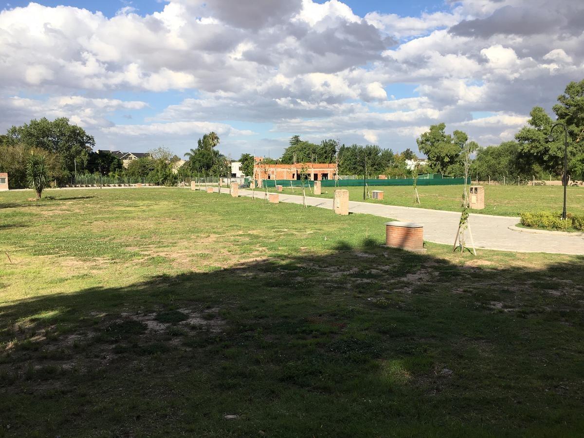 terreno - los miradores 2