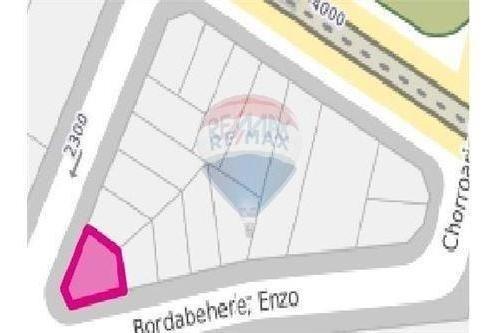 terreno lote en venta en villa del parque esquina
