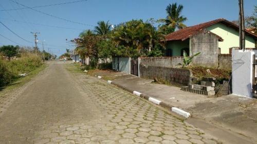 terreno murado na frente, no jardim jamaica, em itanhaém.