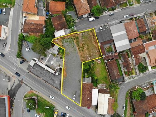 terreno na avenida principal com 1.137 m²