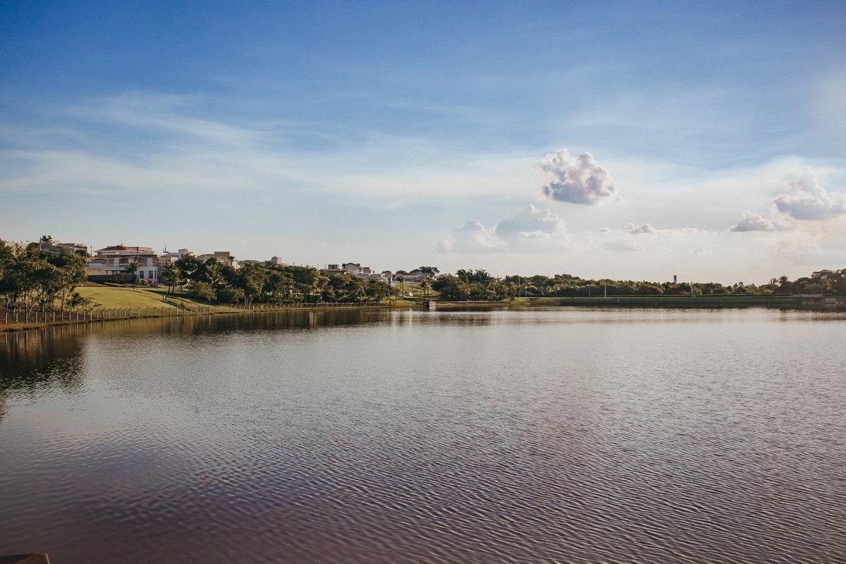 terreno no condomínio lago da barra - jaguariúna sp