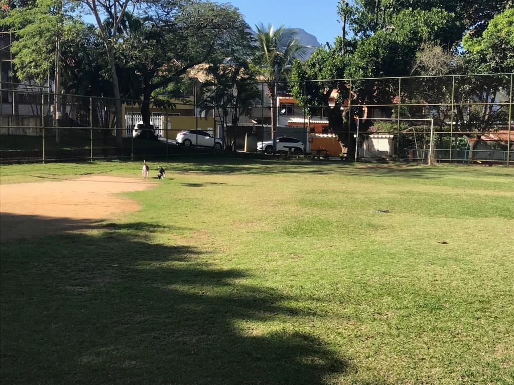 terreno no condomínio suíça carioca 1
