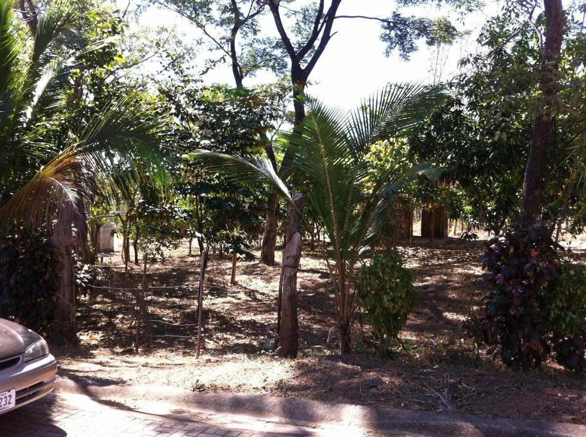 terreno para construir a 5 minutos de playas del coco