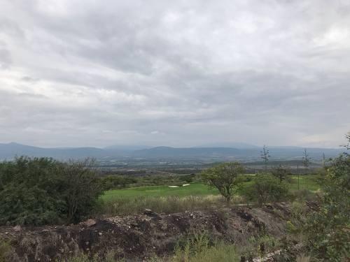 terreno plano con vista campo gol zibata