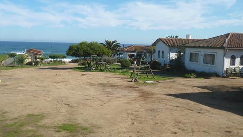 terreno plano de 2.327 m2 a sólo pasos del mar