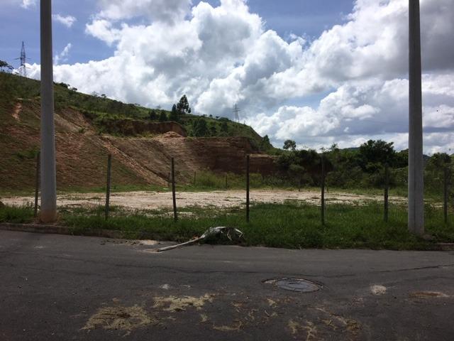 terreno plano de esquina,1.200 metros pronto para construir.