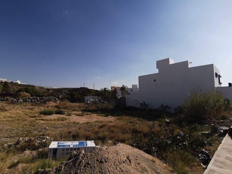 terreno plano en en venta en privada con vigilancia pedregal devista hermosa