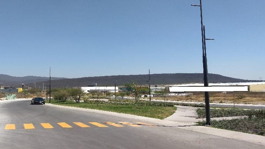 terreno plano en venta excelente ubicación, valle de juriquilla, uso mixto