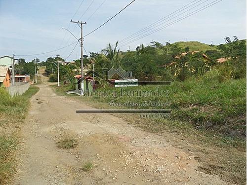 terreno plano no bairro caxito em maricá.