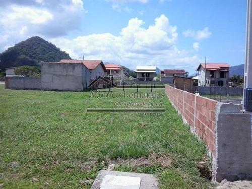 terreno plano no condomínio ubatã em maricá.