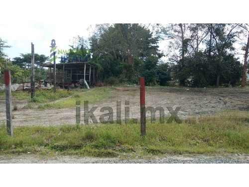 terreno renta 1600 m² detras de infonavit tenechaco tuxpan veracruz, se encuentra ubicado en la calle camino a juan lucas de la colonia federico garcia blanco, cuenta con 1600 m², por la parte traser