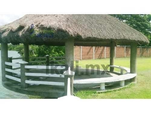 terreno rio tuxpan veracruz 5,171 m² ubicado en la comunidad de santa rosalía frente a la escuela primaria, totalmente bardado, tiene una maravillosa vista al río, además cuenta con palapa, rampa par