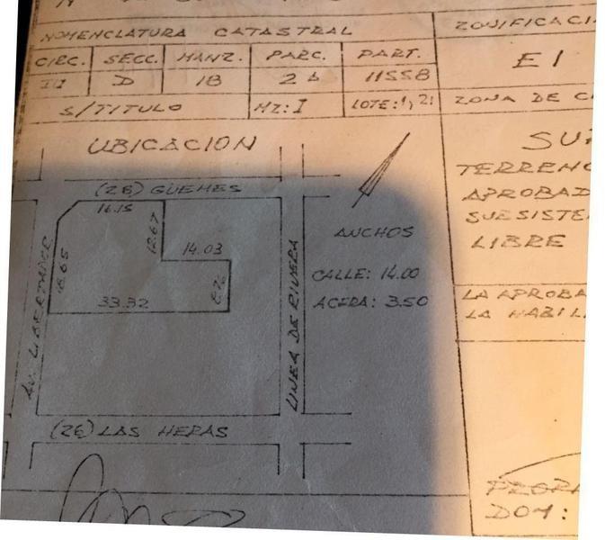 terreno sobre libertador al 700 - vicente lopez- vias/rio local