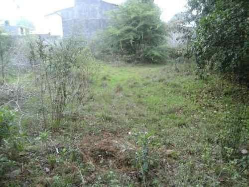terreno subdivible a tan solo 4 cuadras de la escuela  pequeño sol