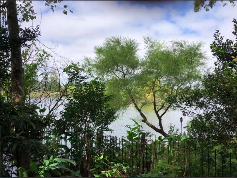 terreno único con fondo al lago !!!