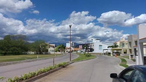 terreno urbano en paraíso country club / emiliano zapata - via-197-tu*