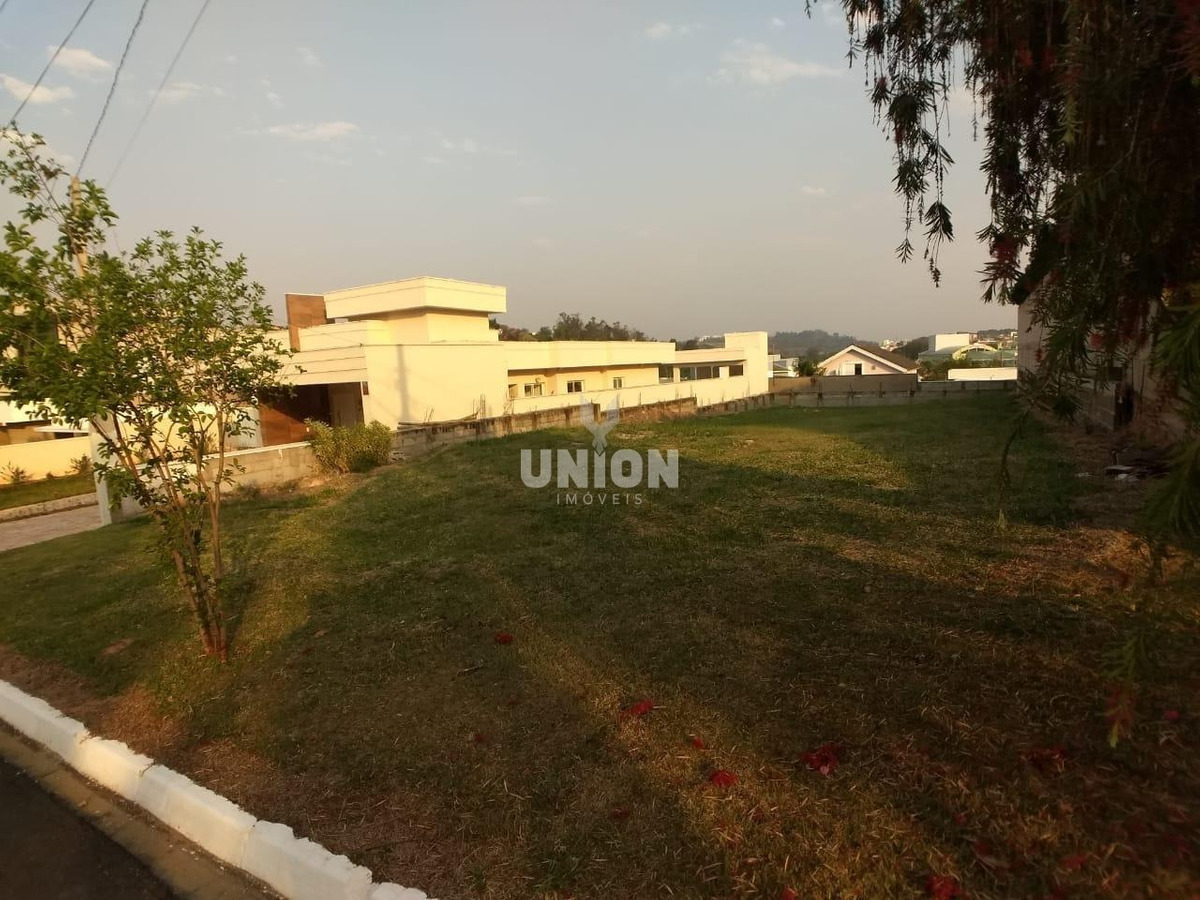 terreno à venda em condomínio terras de vinhedo - te003389