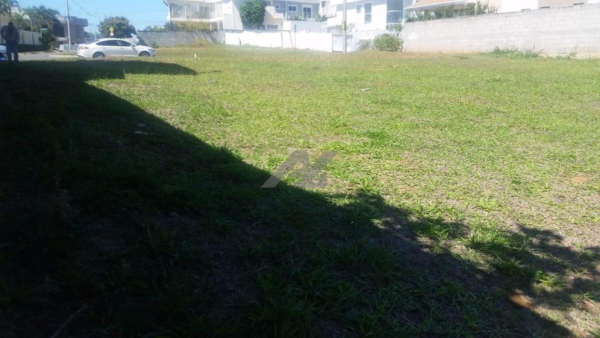 terreno à venda em swiss park - te004576