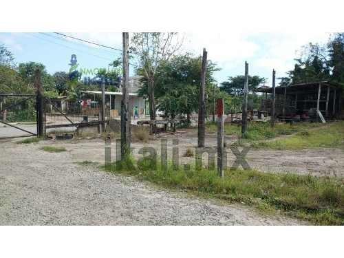terreno venta 1600 m² detras de infonavit tenechaco tuxpan veracruz, se encuentra ubicado en la calle camino a juan lucas de la colonia federico garcia blanco, cuenta con 1600 m², por la parte traser