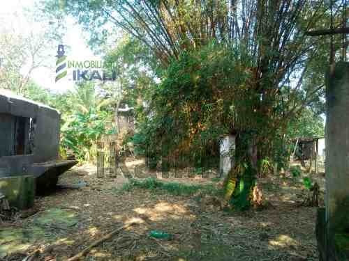 terreno venta 512 m² colonia anahuac tuxpan veracruz, se encuentra ubicado en la calle 2 de abril # 40 de la colonia anáhuac, cuenta con 512.50 m², pozo, los servicios se encuentran ubicados a 10 met