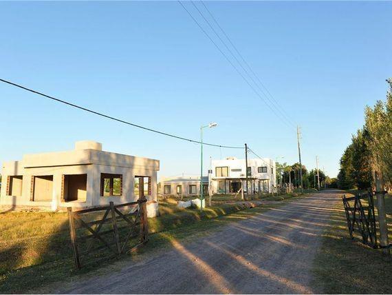 terreno venta- 711 mts 2 -barrio la chiquita -city bell