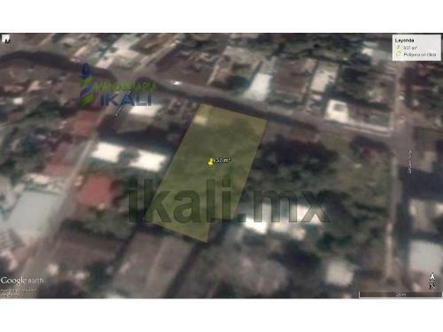 terreno venta colonia centro en papantla veracruz, se encuentra ubicado en la calle pedro moreno # 200 de la colonia centro, cuenta con 937 m², son 18.50 m de frente por 47.95 m de fondo, el tipo de