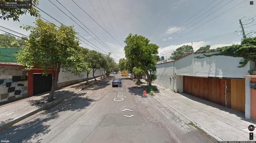 terreno/casade remate, rodeado de avenidas principales!