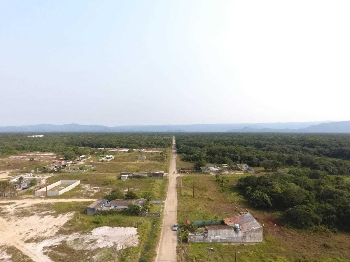 terrenos de 250m2 pra  vc investidor de itanhaém