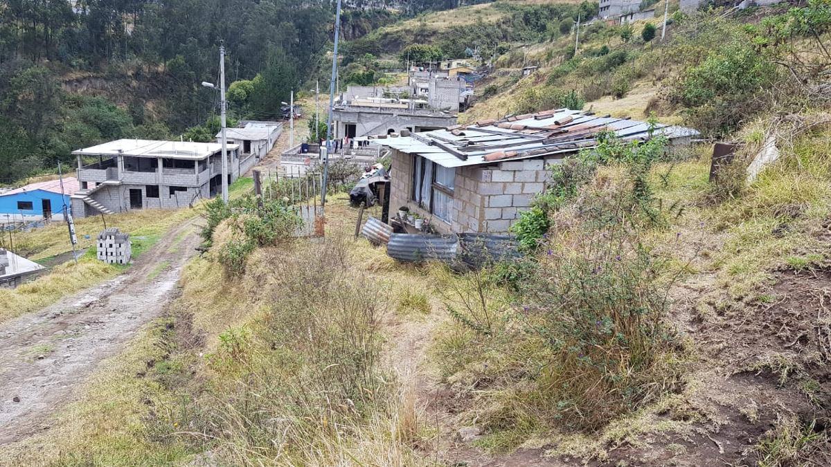 terrenos en barrio praderas del valle de conocoto