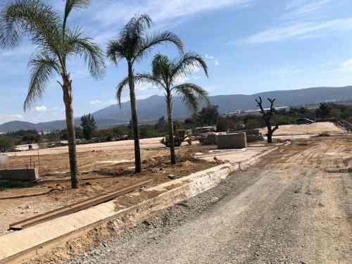 terrenos en parque industrial en gasolinera las cuatas