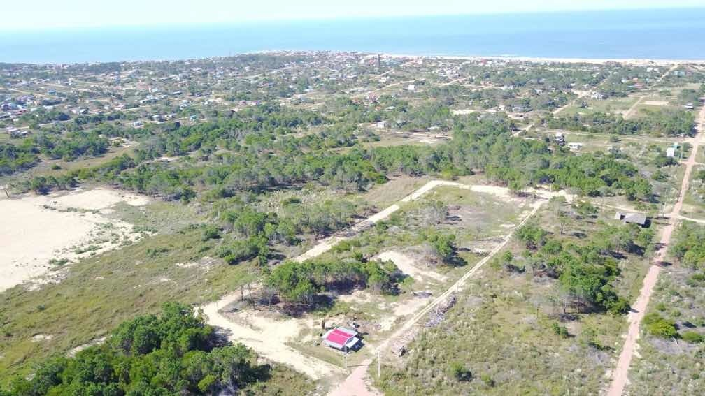 terrenos en punta del diablo a 1400m de la playa, financiado