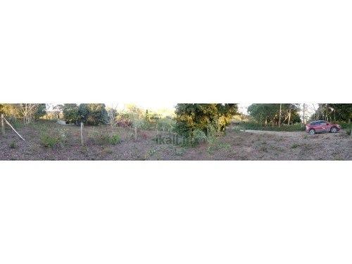 terrenos en venta 200 m²  en cruz naranjos tuxpan veracruz , se encuentra ubicado en la calle 10 de mayo en la comunidad de cruz naranjos, son 5 terrenos de 200 m² cada uno, los precios varian depend