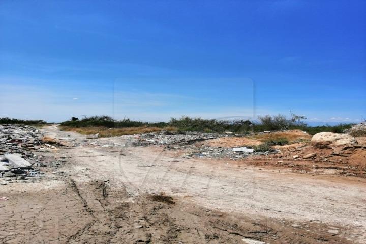 terrenos en venta en colinas del aeropuerto, pesquería