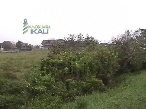 terrenos en venta en tuxpan de rodriguez de 19,957 m², en av. las américas, sus mediadas aproximadas son de 80 m. de ancho por 250 m. de largo en carretera tuxpan-tamiahua en frente del infonavit pue