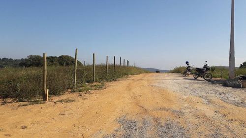 terrenos planos 300 mts da rodovia com infraestrutura j