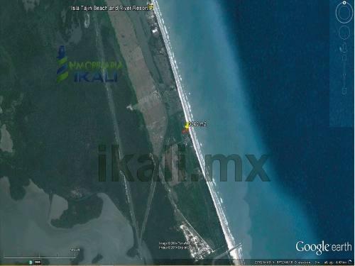 terrenos playa tuxpan ver, hermoso terreno de 3300 m² ubicado en la playa en la zona de isla de los potreros veracruz, cuenta con 25 m. de frente a la playa con opción de solicitar mas terreno de la