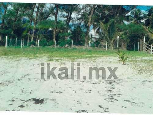 terrenos playa tuxpan ver, ubicado en la playa norte de la barra de galindo perteneciente en el municipio de tuxpan veracruz. cuenta con 7365.82 m² es un terreno rectangular que tiene 22.42 metros de