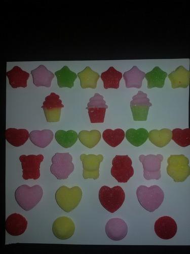 terrones de azúcar con formas y colores