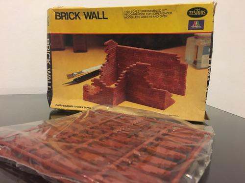 testors brick wall 1/35 883